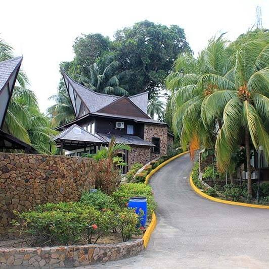 Serunya Liburan di Batam View Beach Resort