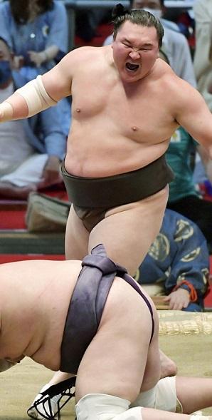 Hakuho, máxima figura del sumo, se retirará a los 36 años y luego de superar las 1.000 victorias
