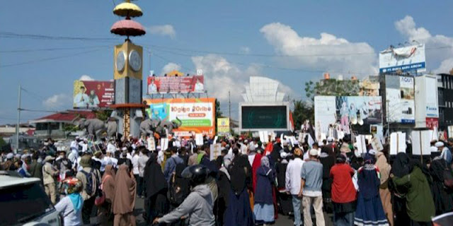 Gelar Aksi Bela Al Aqsa, Massa Banjiri Tugu Adipura Bandarlampung