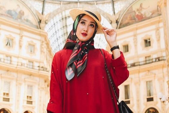 6 Tips Memilih Warna Pakaian Guna Bangkitkan Mood