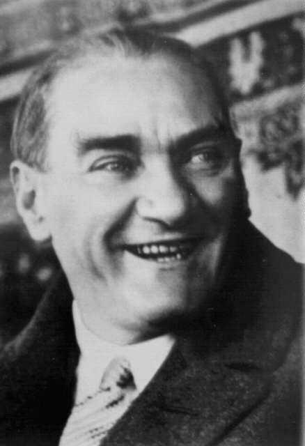 Dünyanın bazı ülkelerinde Atatürk Sevgisi