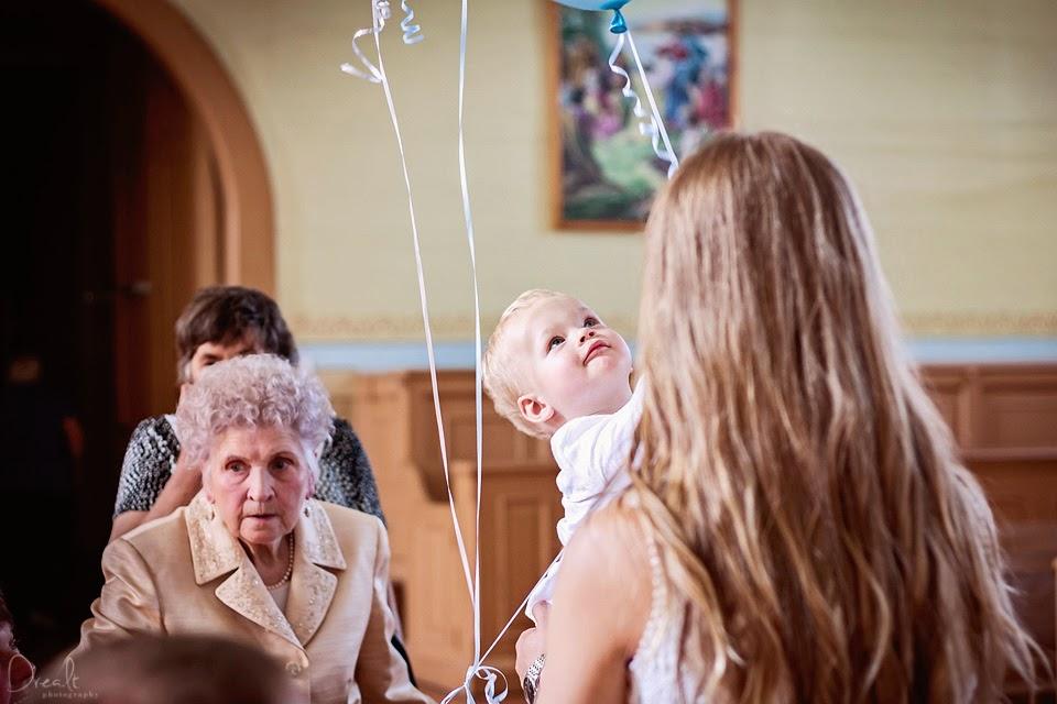 Krikštynų ceremonija Klovainių bažnyčioje