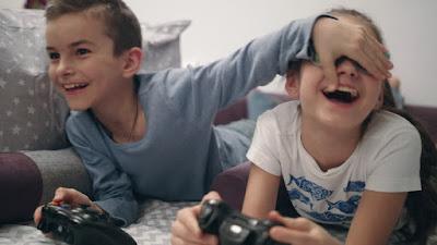 تأثير الألعاب الإلكترونية على الأطفال بين الايجاب و السلب