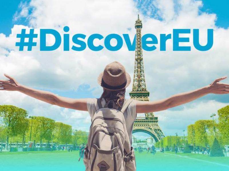 """Πρόσκληση συμμετοχής σε πρόγραμμα """"Discover EU"""" : 20.000 ταξιδιωτικές κάρτες σε νέους και νέες ηλικίας 18 ετών για να ανακαλύψουν την Ευρώπη"""