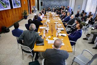 Secretaria de Ciência e Tecnologia  debate sobre o Plano de Governo do DF com chineses
