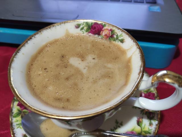 coffee heart latte art