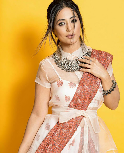 Hina Khan Wallpaper