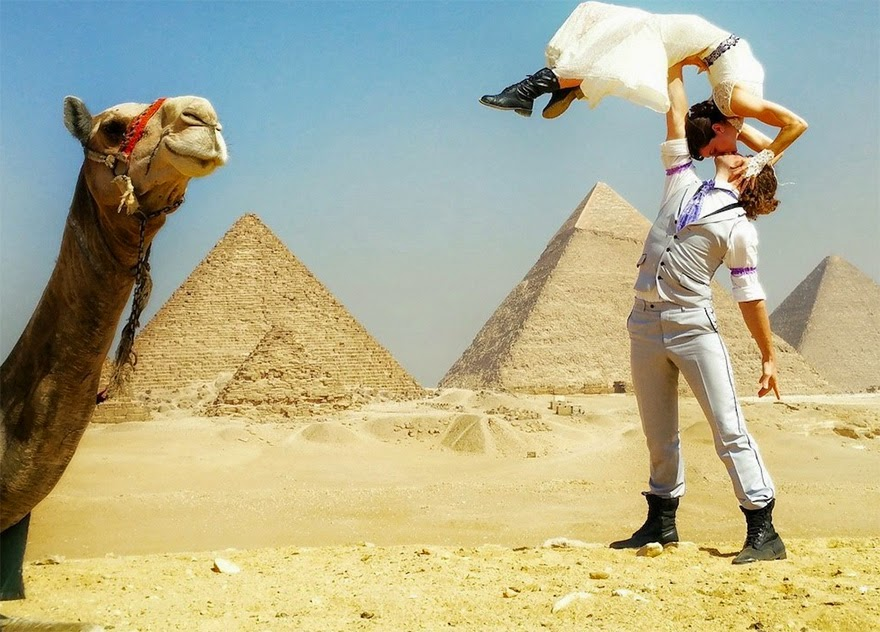 Egypt - Acrobat Couple Gets Married In 38 Different Places Around The World In 83 Days