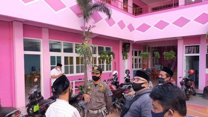 Gelar Belajar Tatap Muka, Sekolah di Bandung Dibubarkan Satpol PP