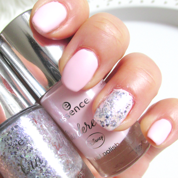 essence Cinderella - 01 Sing, Sweet Nightingale - Porzellan Finish - Tragebild