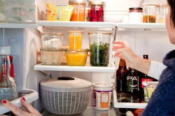 """6 نصائح للوصول إلى """"ثلاجة بدون أكياس بلاستيك"""""""
