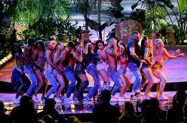 Ariana Grande et Nicki Minaj - American Music Awards 2016
