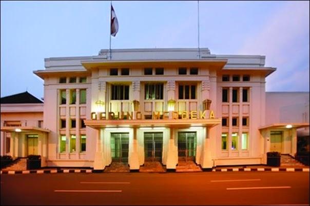 Belajar Sejarah dari Gedung Merdeka Bandung