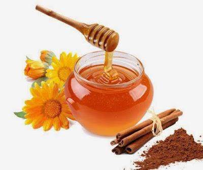 cinnamon-honey-help-in-getting-rid-of-blackheads