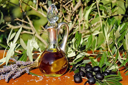 How to Treat Acne with Grapeseed Oil