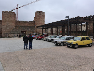 plaza del castillo coches clasicos