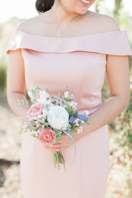 simple bridesmaid bouquet