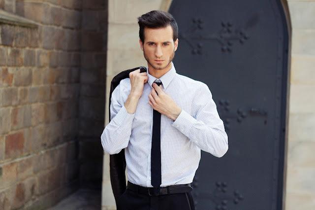 koszula z krawatem