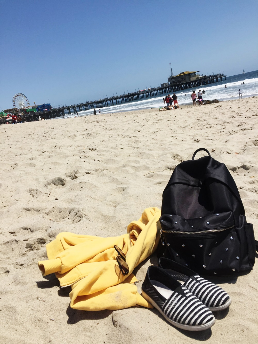 BEACH DAY AT SANTA MONICA BEACH