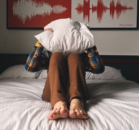 Say no to such pillows when you have neck and shoulder pain.