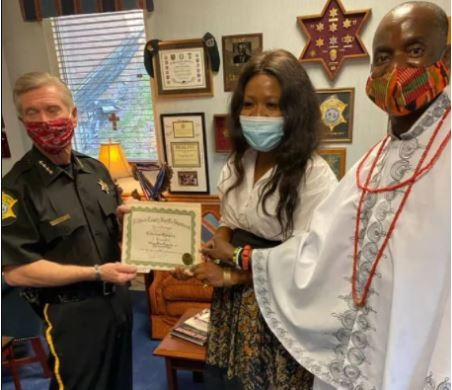 Honest Lady Who Returned N1.5m from Scammers In California Celebrated By FG (Photo)  Chioma Odidika rewarded