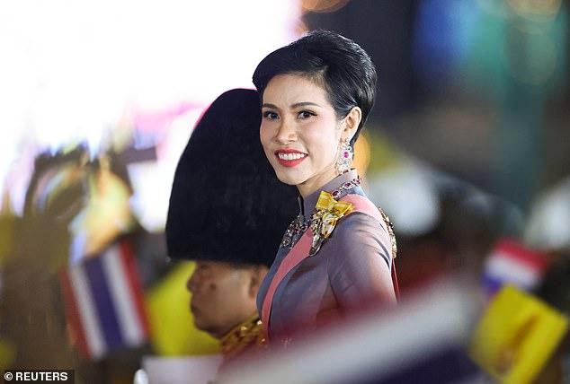 Foto-foto Syur Selir Raja Thailand Bocor