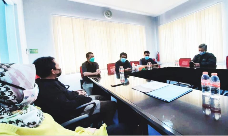 Di Era Media Online Kemampuan Wartawan Harus Serba Bisa | Kunjungan FDK-UIN Bandung ke ayobandung.com