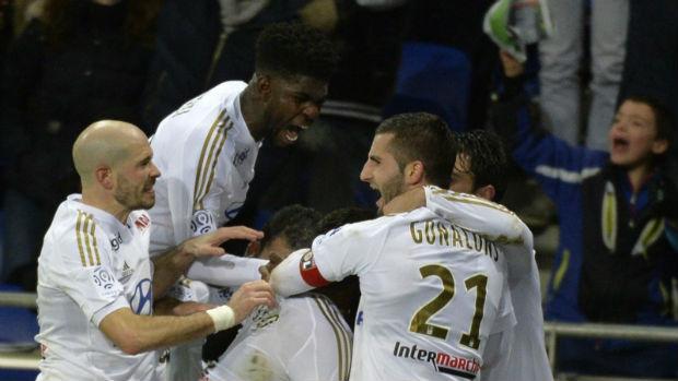 L'Olympique Lyonnais s'impose devant son public contre Bordeaux