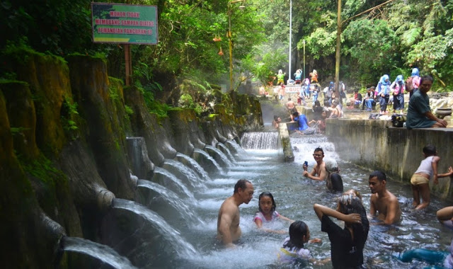 Tempat Wisata Air Panas Guci Jawa Tengah