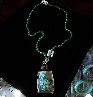 high end jade jewelry novelty in green and gold