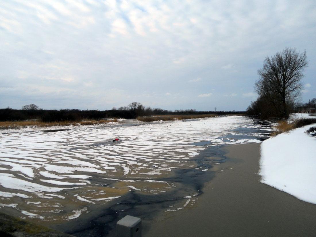 Il fiume Helgeå ghiacciato