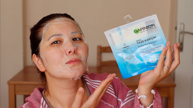 Garnier Taze Karışım Kağıt Yüz Maskesi kullananlar Hyaluronik Asit