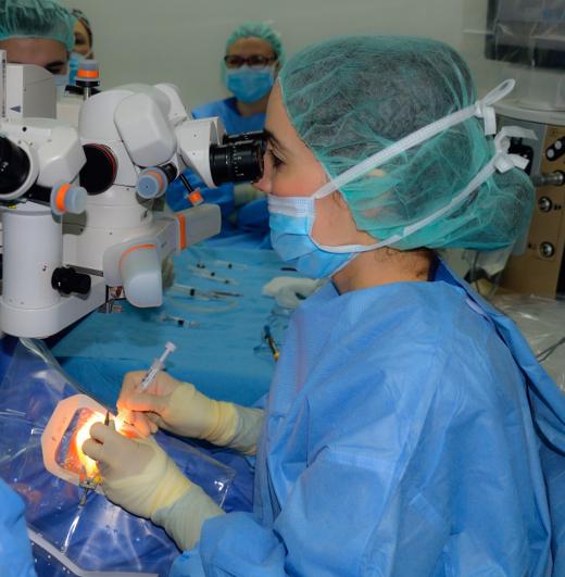 Fisabio-Oftalmología Médica abre sus quirófanos en sábado para aumentar la actividad quirúrgica de cataratas