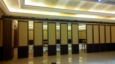 Partisi Lipat Ballroom Hotel