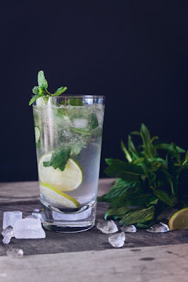 lemon mint water to keep yourself hydrated
