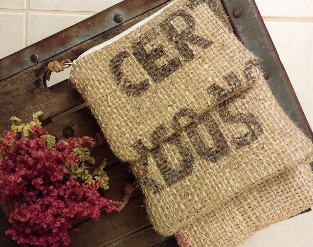 Burlap zipper pouch set of 3 - Lina and Vi