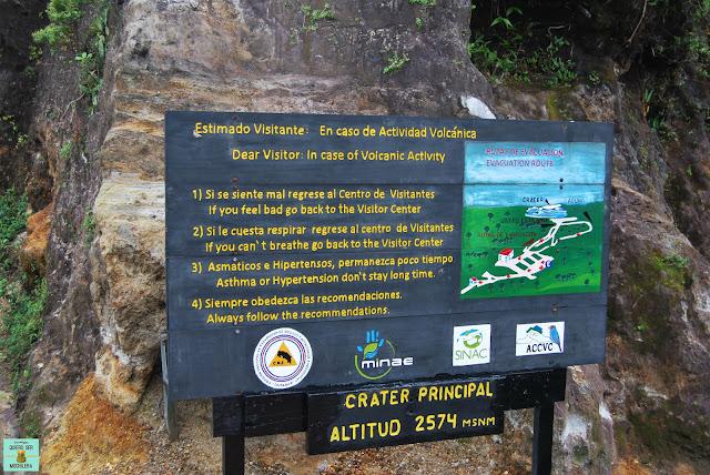 Señalizaciones en el Parque Nacional Volcán Poás, Costa Rica