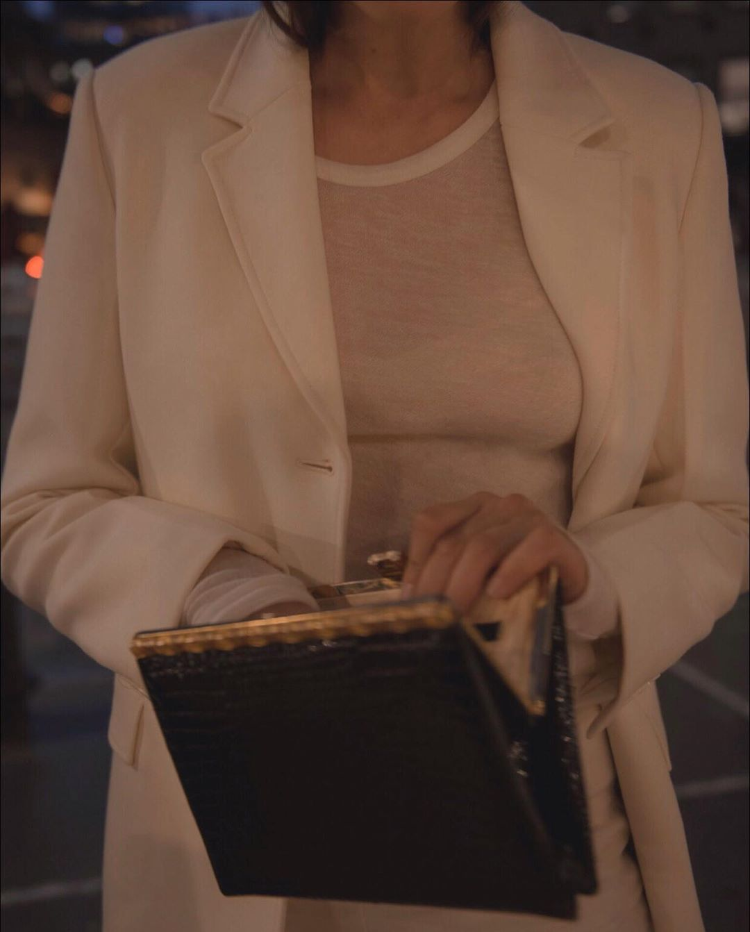Frances de Lourdes Romy tee. | white blazer, summer, fashion, style, inspiration, outfit, minimalism, bohemian, chic style | Allegory of Vanity