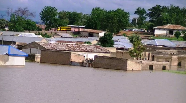 cross river flooding death toll