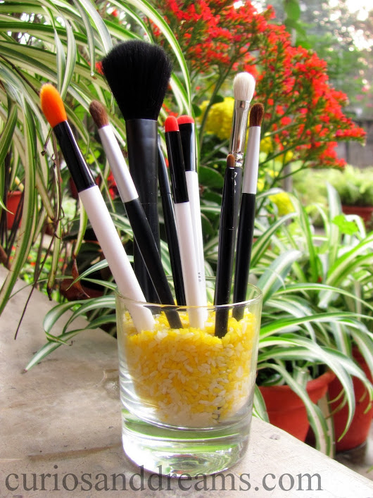 DIY : Makeup Brush Organization