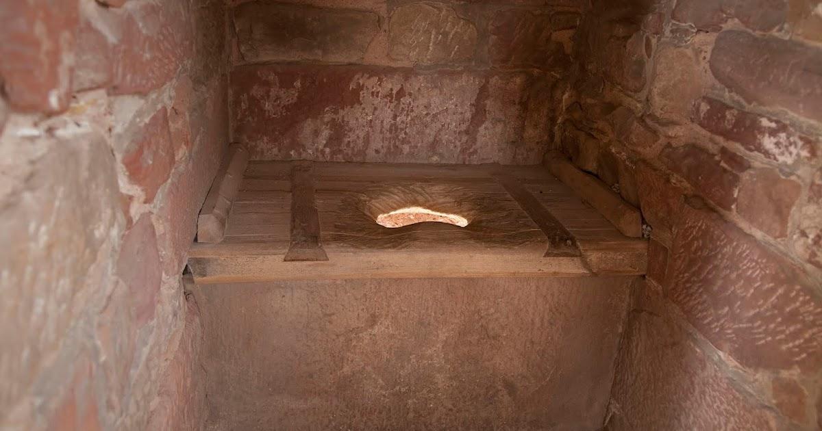 Seguindo os passos da História: Uma história sobre o banheiro