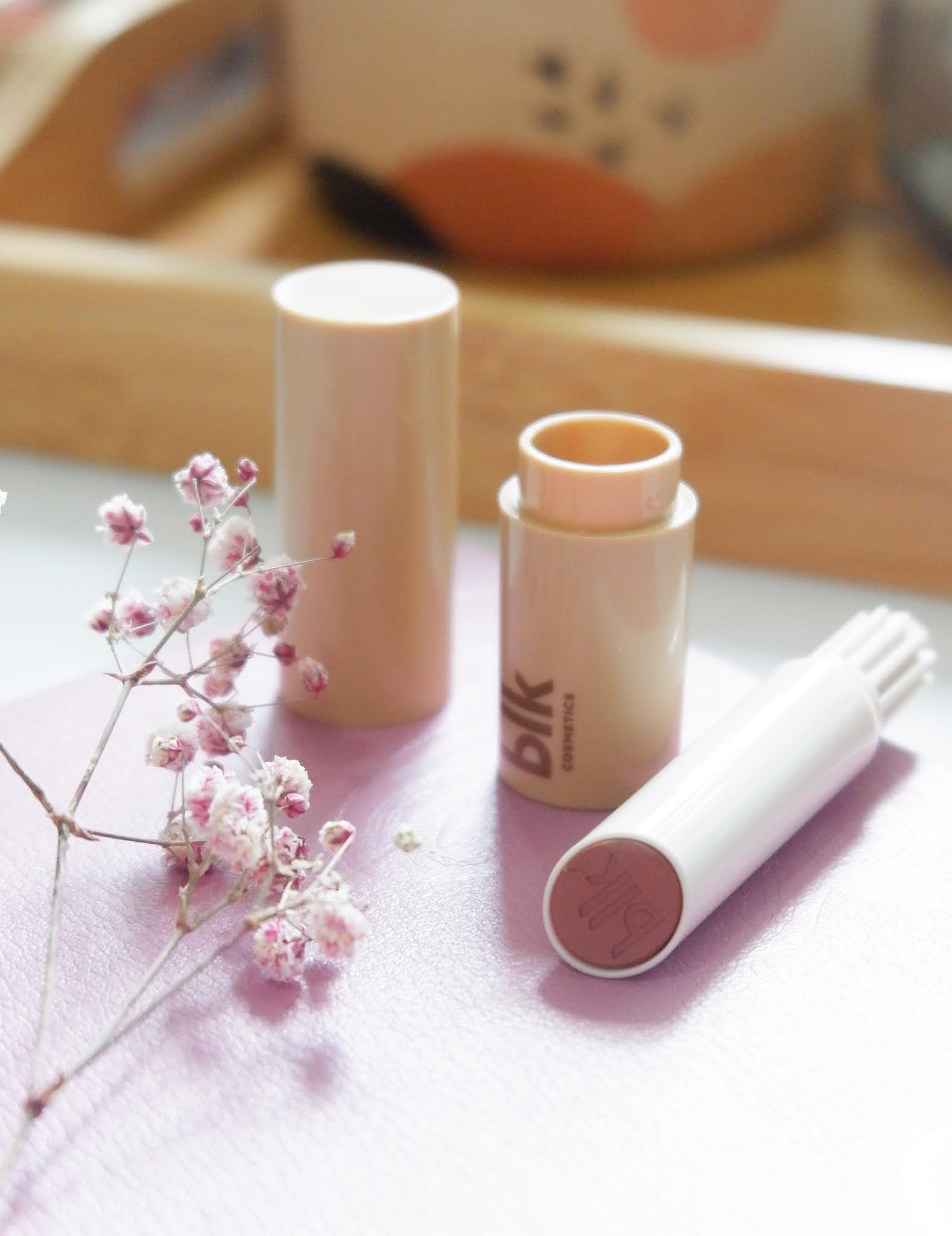 REVIEW OF BLK COSMETICS UNIVERSAL LIP SWITCH MATTE LIPPIE - ESPRESSO