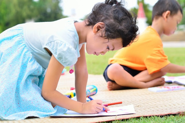 Simak 3 Manfaat Les Gambar bagi Anak yang Wajib Anda Ketahui!