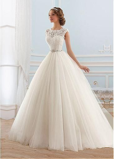 Looks Best On Very Tall Or Pee Brides With An Hour Gl Figure Not Only Sheath Wedding Dresses