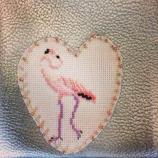 broderie point de croix flamnt rose