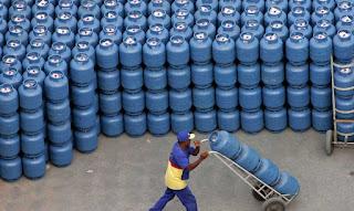 Petrobras autoriza novo reajuste no preço do gás de cozinha