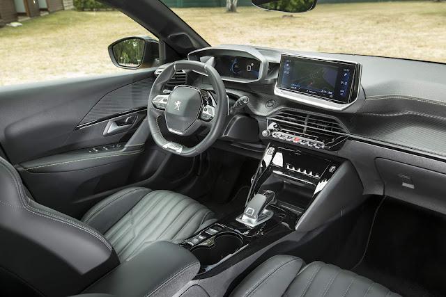 Novo Peugeot 208 2020 - interior - painel