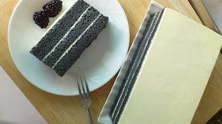 bamboo charcoal cake