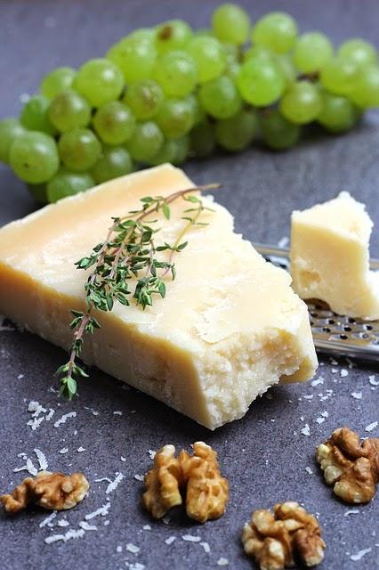 queso parmesano en la cocina de la abuela