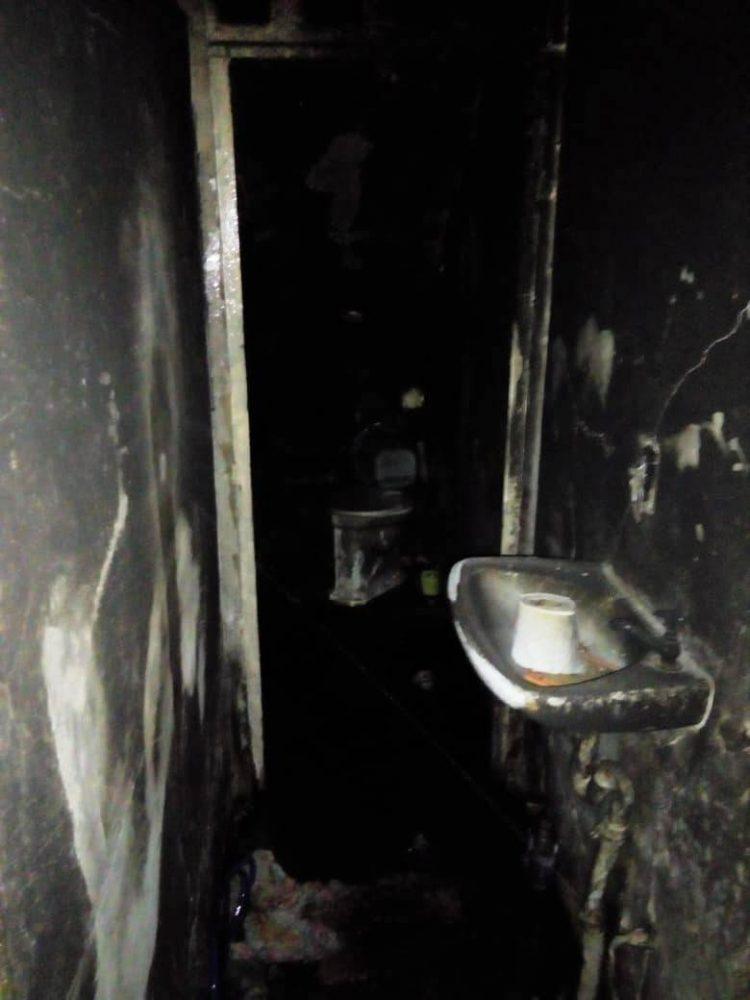 casa-incendiada5-750x1000